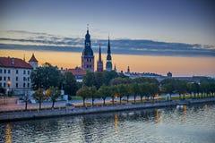 Vista di mattina sulla vecchia città di Riga Immagine Stock