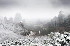 Vista di Meteora dal di cui sopra in inverno, Grecia Immagine Stock Libera da Diritti