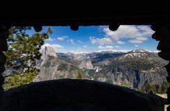 Vista di mezza cupola dalla capanna di geologia al punto del ghiacciaio Fotografia Stock Libera da Diritti