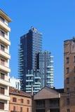 Vista di Milano con il grattacielo d'abbronzatura di Torre L'Italia Immagini Stock
