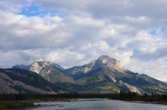 Vista di Montagne Rocciose del canadese Immagini Stock