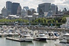 Vista di Montreal con il porto dell'yacht Fotografie Stock Libere da Diritti