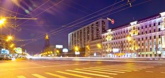 Vista di Mosca. Anello del giardino nella notte di estate Fotografie Stock Libere da Diritti