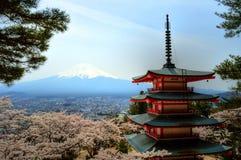 Vista di Mountfuji dalla pagoda di Chureito fotografie stock libere da diritti
