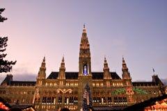 Vista di municipio di Vienna al Natale Immagine Stock