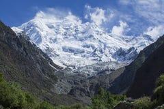 Vista di Nanga Parbut da sotto, il Pakistan Immagine Stock
