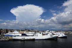 Vista di Napoli da una nave Immagini Stock Libere da Diritti