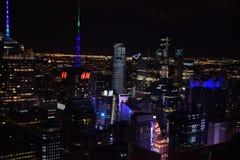 Vista di New York dalla cima durante la notte fotografia stock libera da diritti