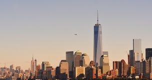Vista di New York dalla statua della libertà Immagini Stock