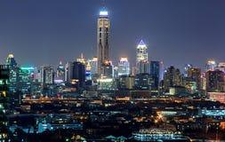 Vista di Nightime sopra Bangkok del centro Fotografie Stock Libere da Diritti