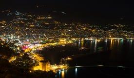 Vista di notte al Alanya Immagini Stock