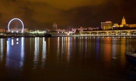 Vista di notte del lungomare di Malaga Fotografia Stock Libera da Diritti