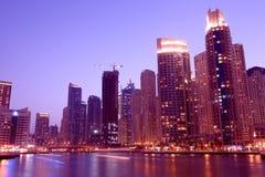 Vista di notte del porticciolo del Dubai Fotografia Stock