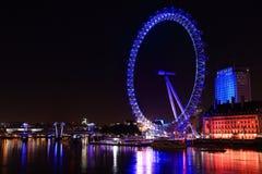 Vista di notte dell'occhio di Londra Fotografie Stock