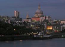 Vista di notte dell'orizzonte di Londra Immagine Stock Libera da Diritti