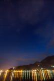 Vista di notte della baia di Cattaro, Montenegro Fotografia Stock