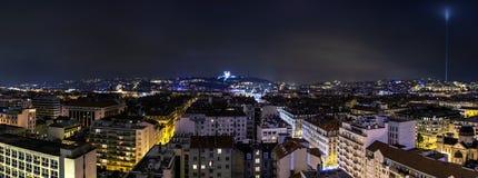 Vista di notte della città a Lione, Francia Immagine Stock Libera da Diritti