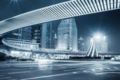 Vista di notte della città a Schang-Hai fotografia stock libera da diritti