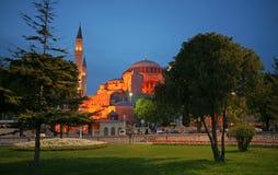 Vista di notte della moschea di Ayasofya, Costantinopoli Fotografie Stock