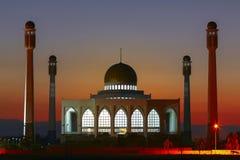 Vista di notte della moschea, Tailandia 2 Fotografie Stock Libere da Diritti