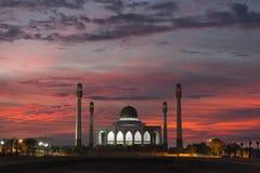 Vista di notte della moschea, Tailandia Fotografia Stock