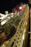 Vista di notte della nave da crociera Immagini Stock Libere da Diritti