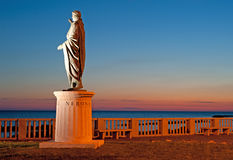 Vista di notte della statua di Nerone fotografie stock libere da diritti