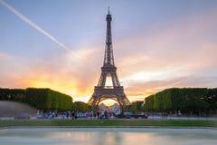 Vista di notte della torre Eiffel a Parigi, Francia Fotografie Stock