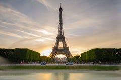 Vista di notte della torre Eiffel a Parigi, Francia Immagine Stock Libera da Diritti
