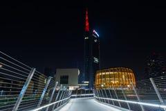 Vista di notte della torre Milano di UniCredit Fotografia Stock