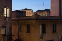 Vista di notte delle case italiane Immagine Stock Libera da Diritti