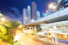 Vista di notte di Hong Kong con la luce dell'automobile Fotografie Stock Libere da Diritti