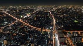 Vista di notte di paesaggio urbano di Osaka Immagine Stock