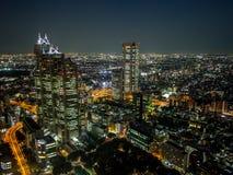 Vista di notte di Tokyo dal  metropolitano del åº del ½ del ±äº¬éƒ del  del æ della costruzione di governo, Shinjuku, Giappone Fotografia Stock