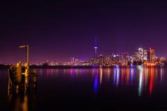 Vista di notte di Toronto dall'isola centrale Fotografie Stock