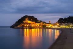 Vista di notte di Tossa de marzo Costa Brava. Immagine Stock