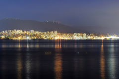 Vista di notte di Vancouver del nord Immagini Stock