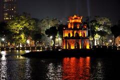 Vista di notte, lago Hoan Kim, Hanoi fotografia stock
