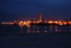 Vista di notte sopra la spiaggia in California Immagini Stock