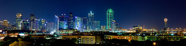 Vista di notte sul bello orizzonte di Dallas Fotografie Stock Libere da Diritti