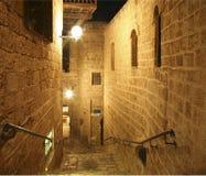 Vista di notte sulla via stretta in vecchia Giaffa Fotografie Stock