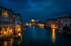 Vista di notte di Venezia, Italia immagini stock libere da diritti
