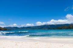 Vista di Oahu, Hawai da una piccola isola Immagini Stock Libere da Diritti