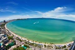 Vista di occhio della spiaggia di Pattaya e di uccello della città Fotografie Stock