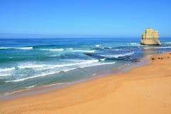 Vista di oceano con la massa della roccia i dodici apostoli dell'Australia Fotografie Stock