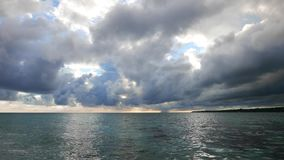 Vista di oceano di Camiguin archivi video