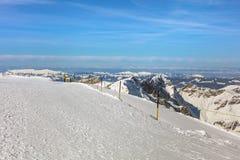 Vista di orario invernale dal Mt Titlis in Svizzera Fotografie Stock Libere da Diritti