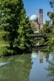 Vista di Padova con il fiume e la basilica, Italia Fotografie Stock Libere da Diritti