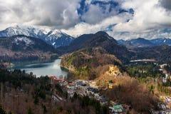 Vista di paesaggio con i coulds della pioggia e del lago La Baviera, Germania Immagini Stock Libere da Diritti