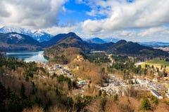 Vista di paesaggio con i coulds della pioggia e del lago La Baviera, Germania Fotografie Stock